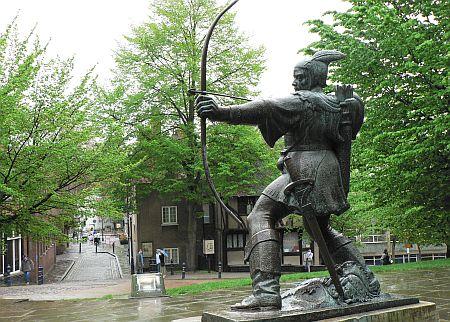 20060506_Nottingham_Robin_Hood_statue.jpg